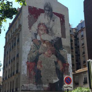 """Fresque monumentale de l'artiste Gonzalo Borondo nommée """"Les trois ages"""""""