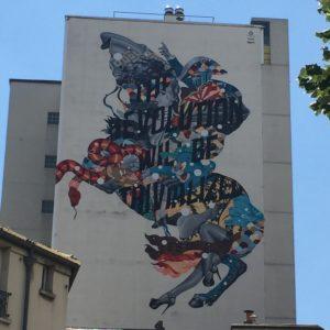 """fresque monumental de Tristan Eaton à Paris. Appelé """"The Revolution"""""""