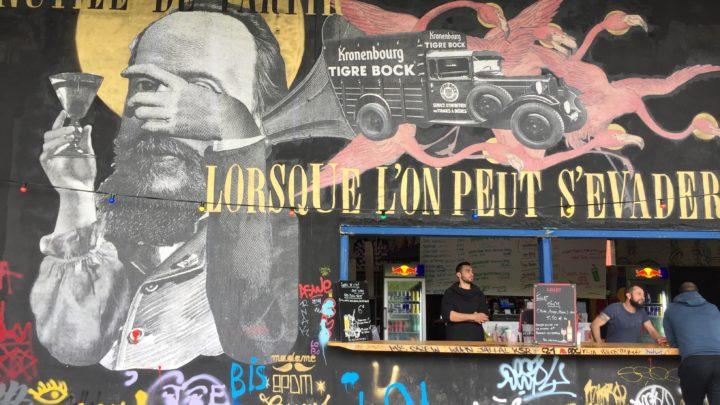 À la découverte de Madame Moustache l'Artiste de Street Art qui jongle avec les mots et les images !
